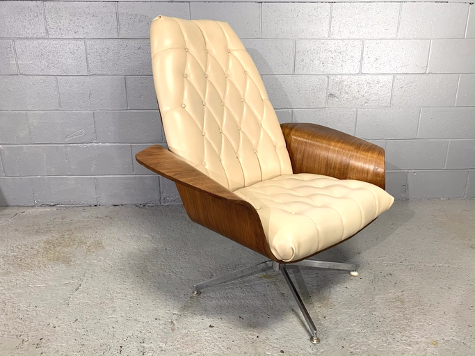 "Plycraft Mid-Century Modern Teak ""Mr. Chair"" Lounge Chair by George Mulhauser"