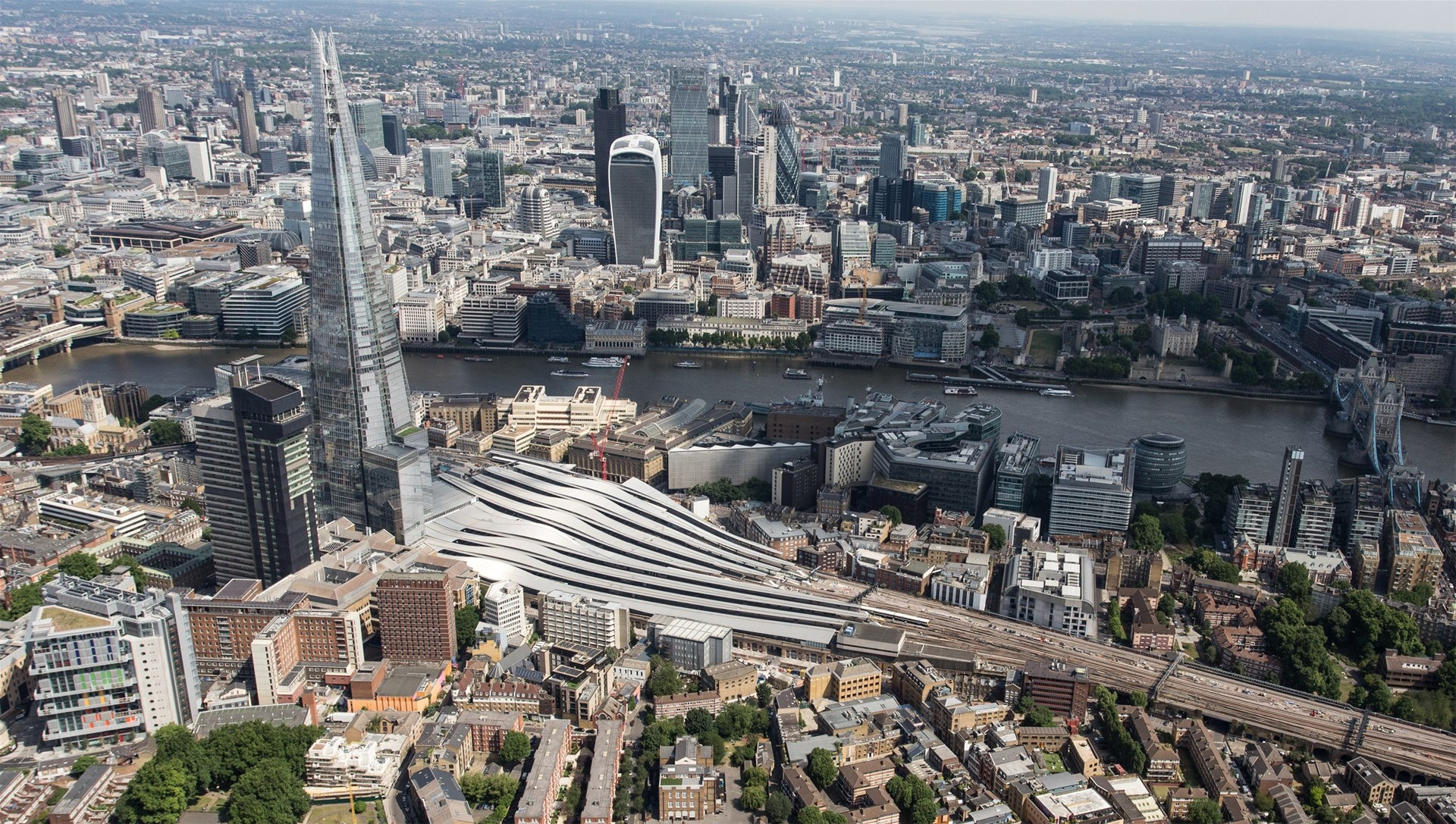 London Bridge station reopens with 5 new platforms added