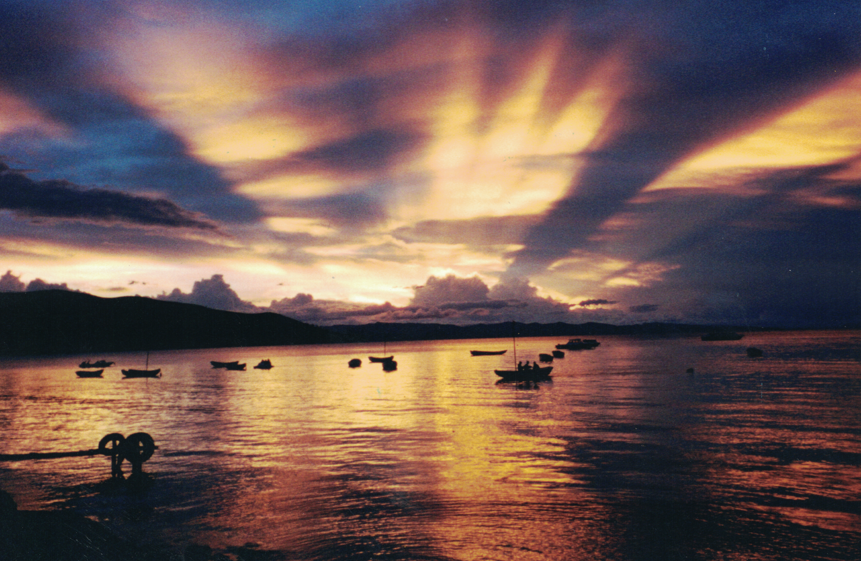 photograph of lake titicaca at mid-sunset