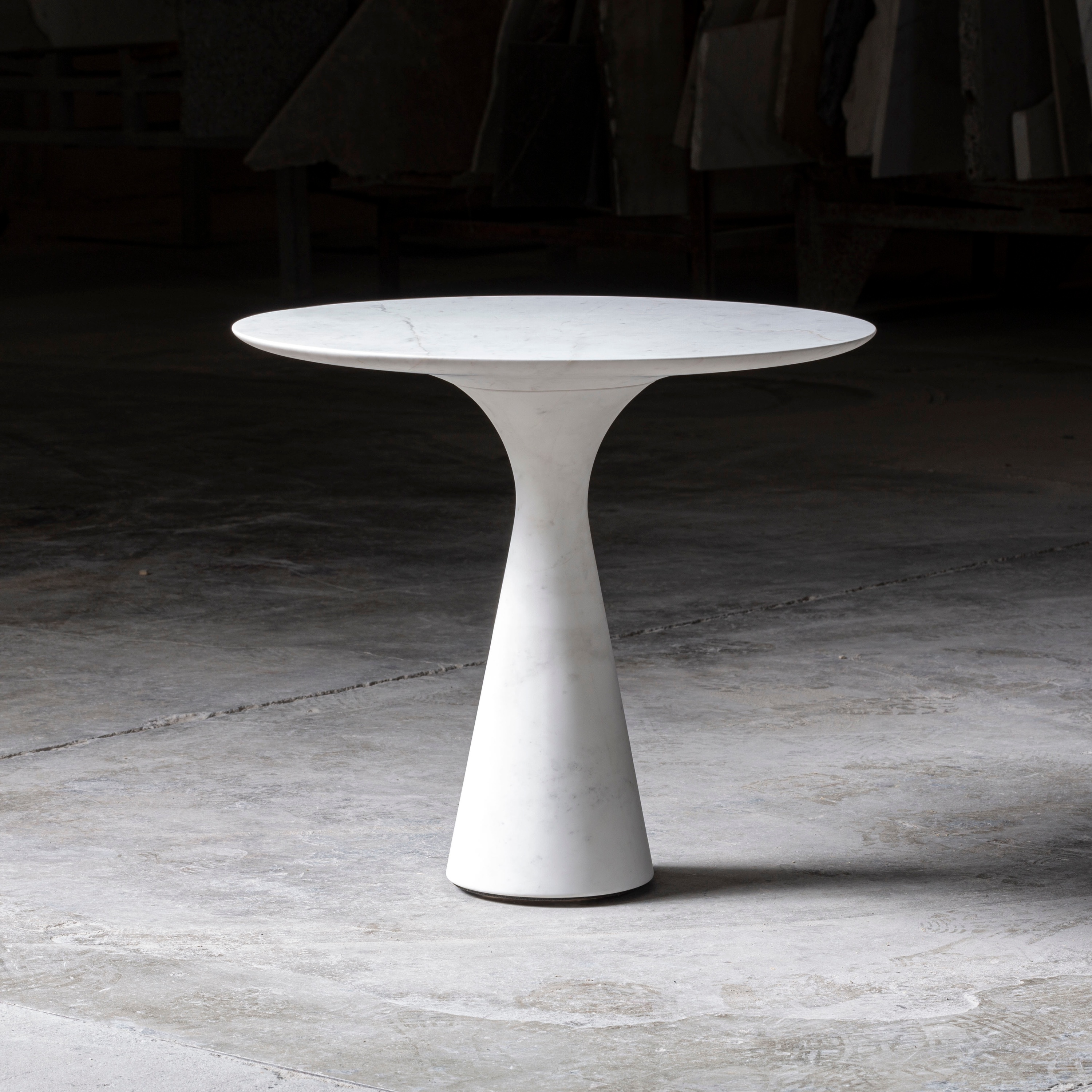 ANGELO M SIDE TABLE | KYKNOS