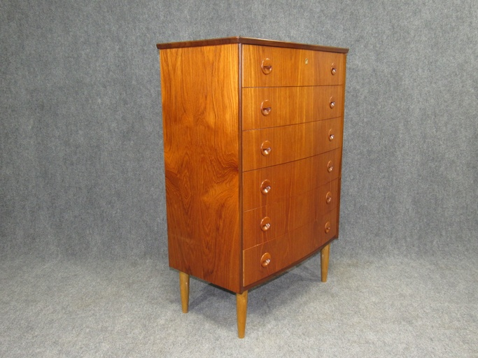 Danish Modern Rounded Front Teak Chest of Drawers with Drawer Lock Key