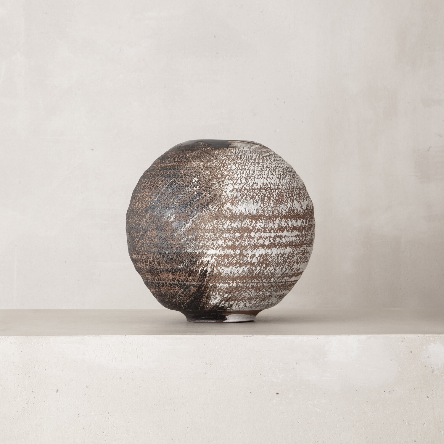 MOON PHASE VESSEL   PSP056Peter Speliopoulos, Peter Speliopoulos Ceramics, Peter Speliopoulos Artist, Peter Speliopoulos Fashion Designer, Contemporary Ceramics, Contemporary Greek Ceramics, Interior Design Accessories.