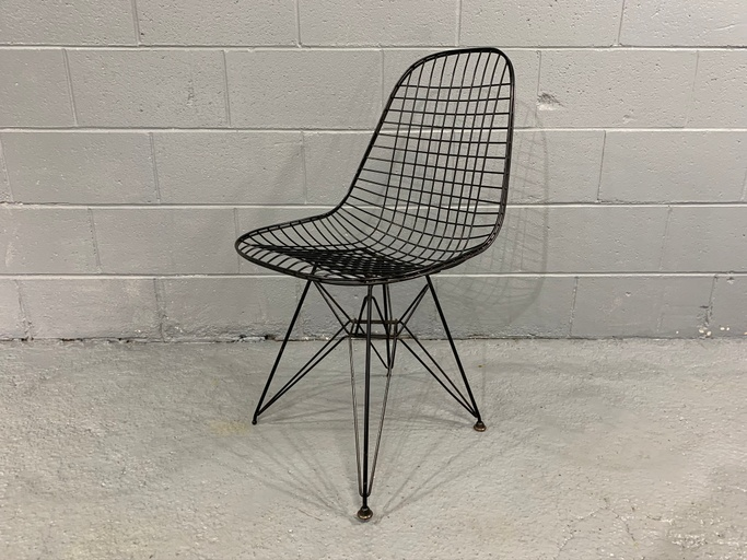 Charles Eames Wire Eiffel Chair DKR in Black Coated Metal, Originally Designed in 1951
