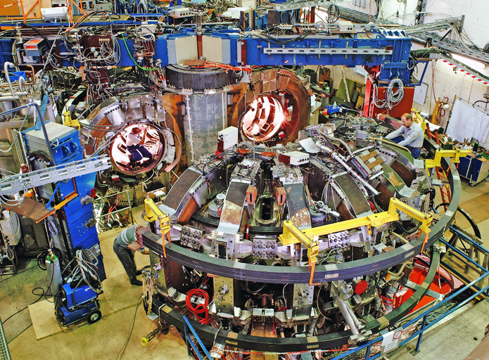 TEXTOR (Tokamak EXperiment for Technology Oriented Research) photograph