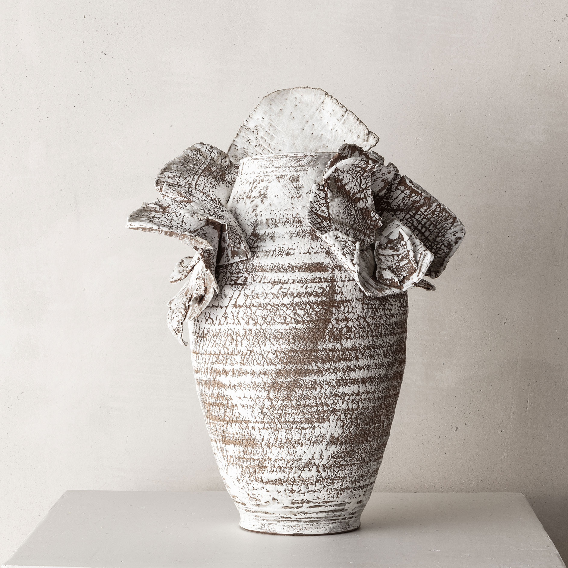 CHTHONIC VESSEL 03Peter Speliopoulos, Peter Speliopoulos Ceramics, Peter Speliopoulos Artist, Peter Speliopoulos Fashion Designer, Contemporary Ceramics, Contemporary Greek Ceramics, Interior Design Accessories.