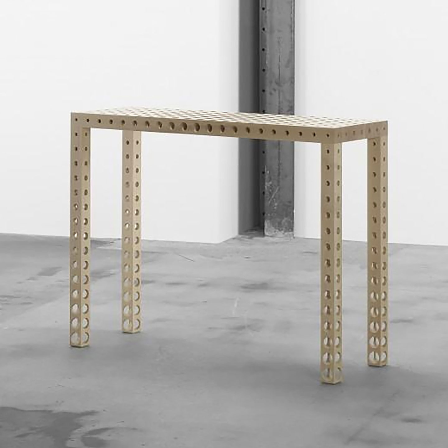 HOLES CONSOLE