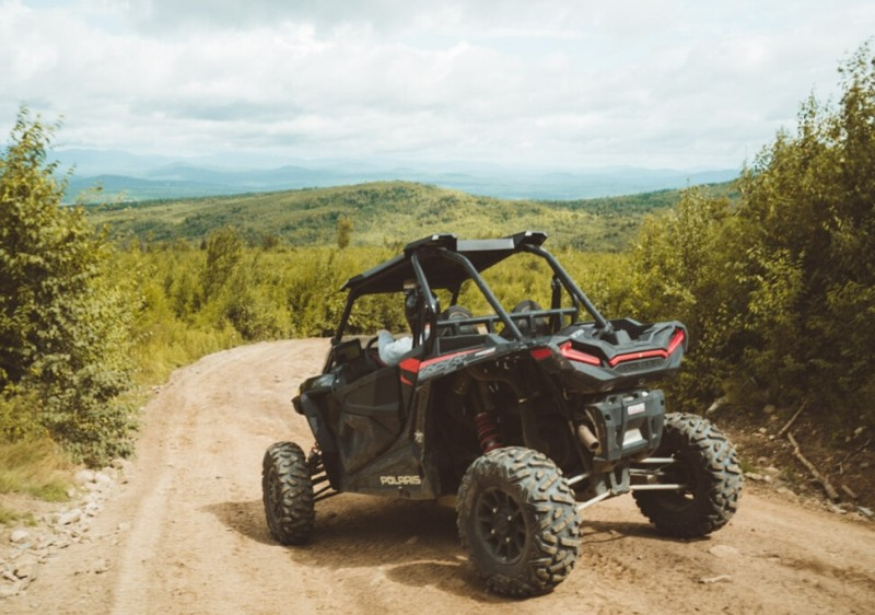parked-Polaris-RZR-overlooking-the-Appalachian-mountains