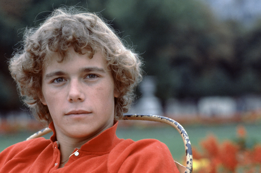 Christopher Atkins en séance photo au Jardin du Luxembourg le 24 septembre 1980.