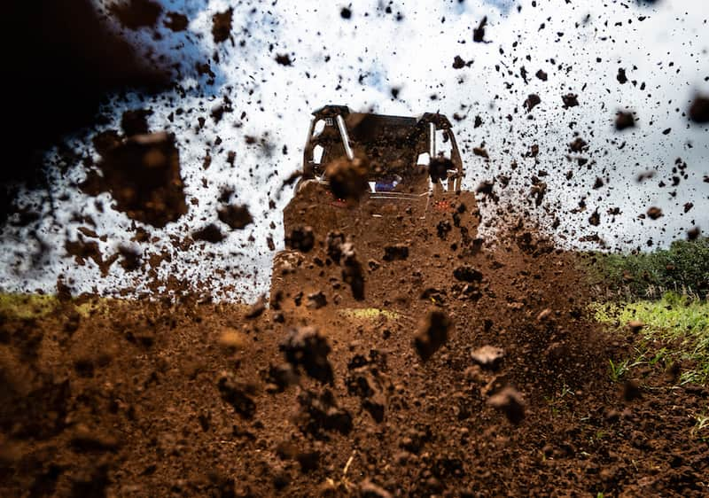 dirt-hitting-the-camera-from-a-rzr