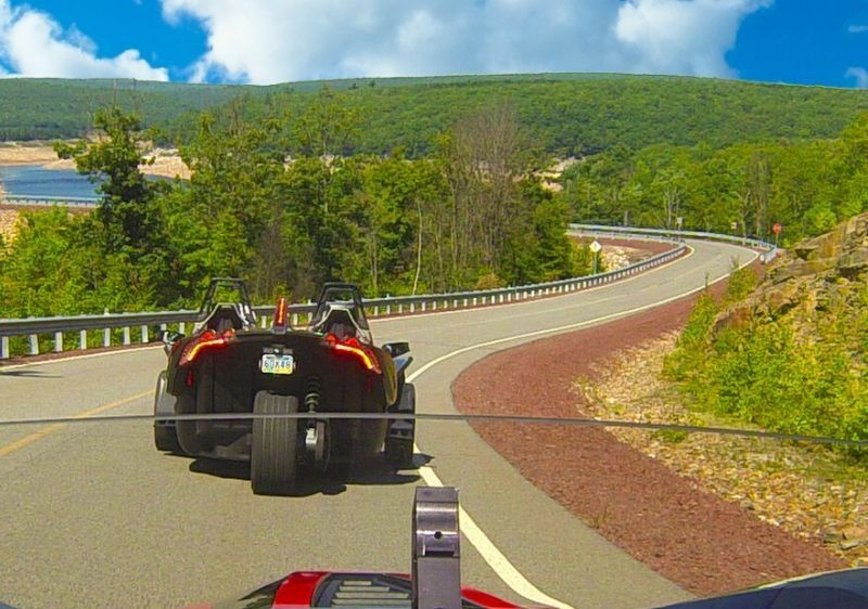 back-view-of-guests-riding-a-Polaris-Slingshot-around-Hickory-Run-Walter-Dam