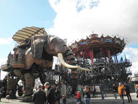 The Great Elephant besides the Carousel