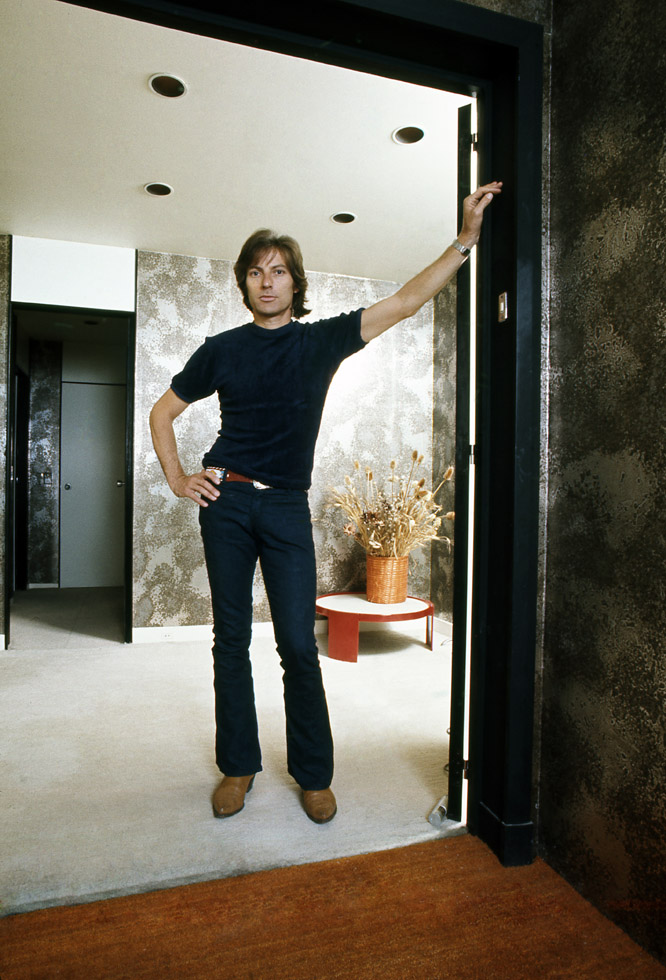 At home in Paris (1970)