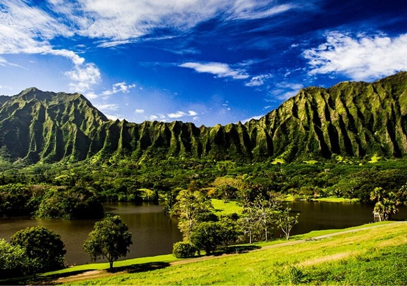 scenic view of Hawaiian mountains