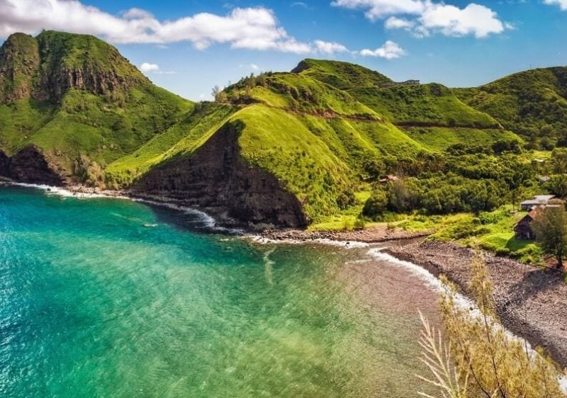 Hawaiian mountains along the ocean shore