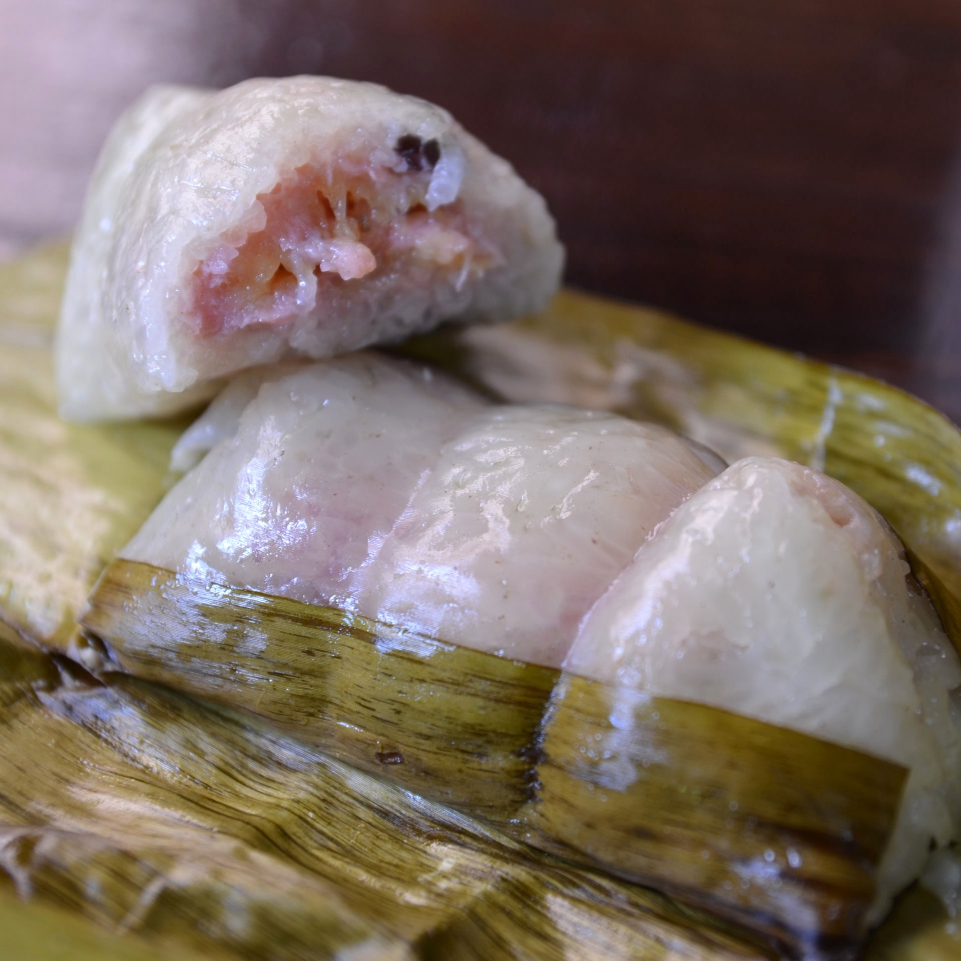 Steamed Sticky Rice with Banana Leaves