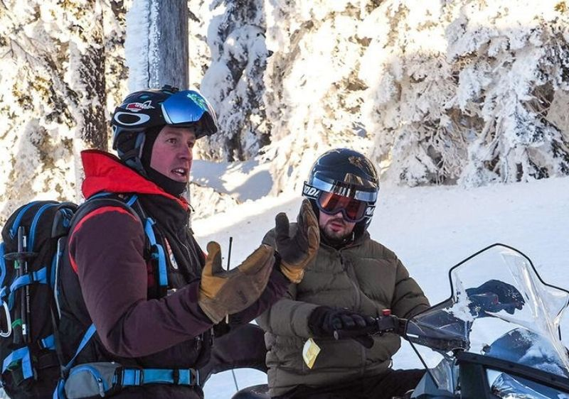 snowmobile guide talking
