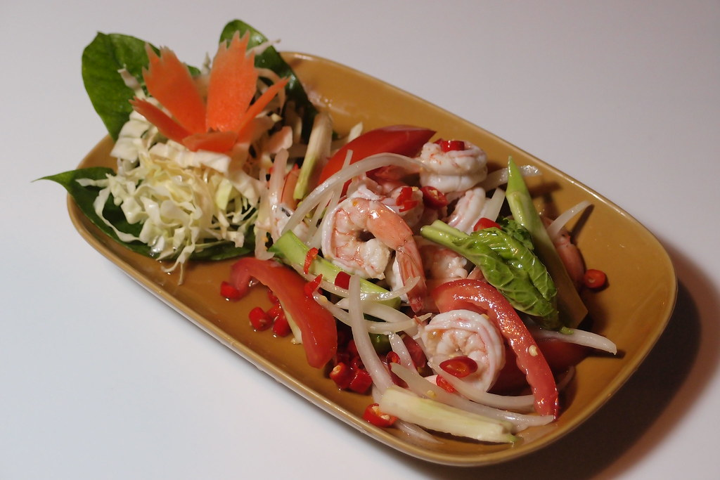 Spicy Prawn and Herb Salad