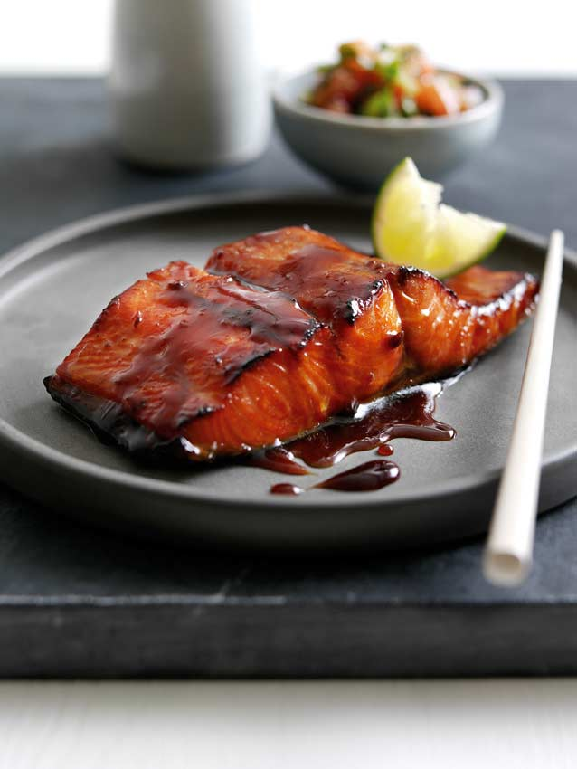 Fried salmon with vinegar sauce