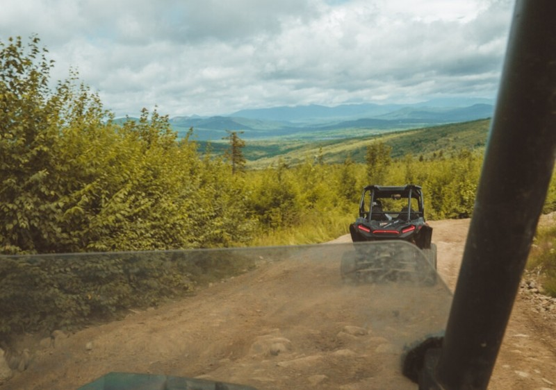 Polaris-RZR-on-the-trail-with-a-view-of-Appalachian-mountains