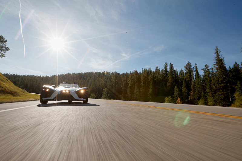 Front-view-of-Slingshot-with-sunshine-behind-it