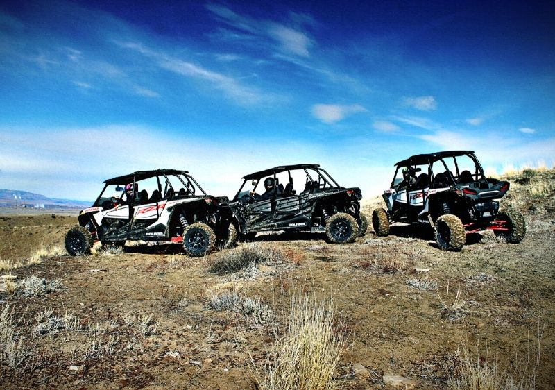 guests-in-Polaris-RZRs-overlooking-the-scenery