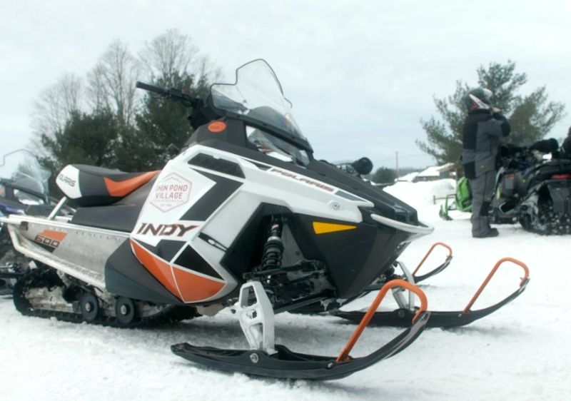 Polaris-Snowmobile