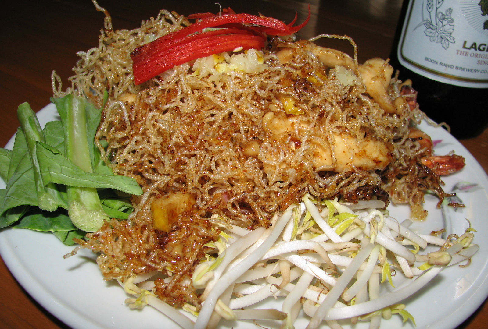 Fried noodles with sweet sauce