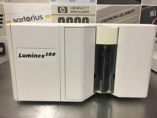 Luminex 100 Microplate Luminescence Reader