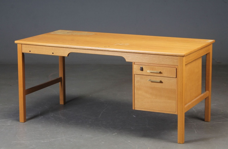 Desk of Odd Model SM70 by Børge Mogensen for Soborg Furniture