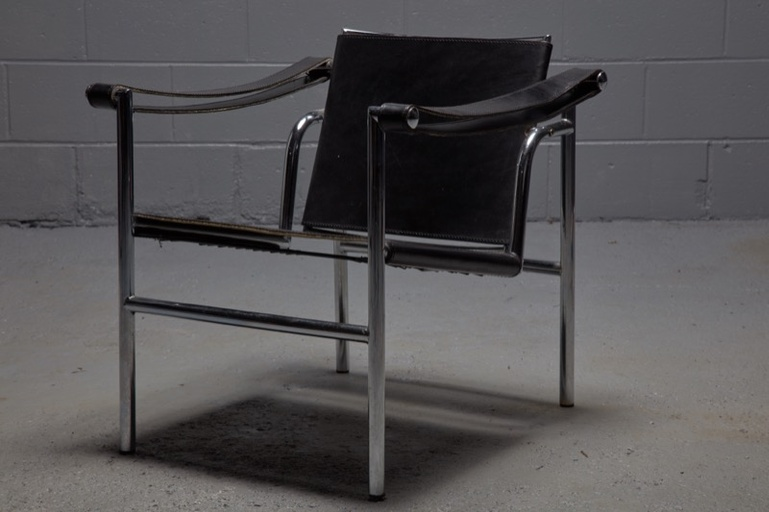 LC1 Chair by Le Corbusier, Pierre Jeanneret and Charlotte Perriand for Cassina