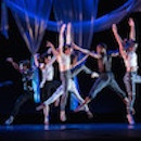A dance piece performed by a group of students, Photo by Yevhen Gulenko