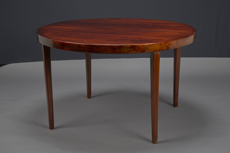 Round Rosewood Dining Table with 3 Leaves