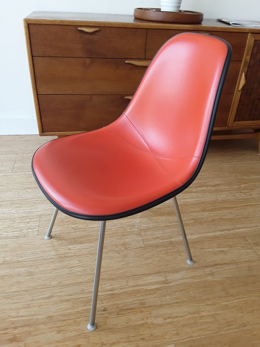 Side Chair on Straight Base by Eames for Herman Miller