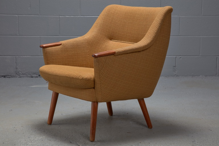 Low Back Lounge Chair with Original Textile