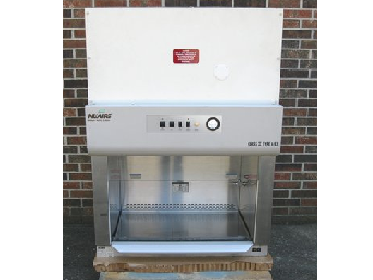 Nuaire NU-425-300 Biosafety Cabinet