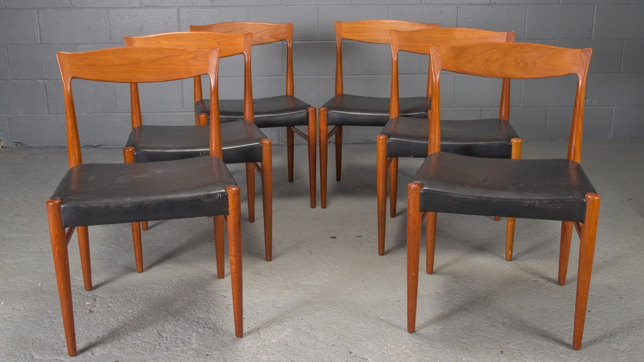 Set of 6 Danish Modern Teak Dining Chairs by Henning Kjaernulf