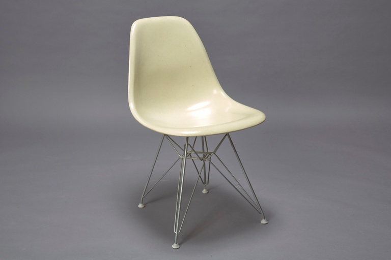 Charles Eames Fiberglass Shell Chair for Herman Miller with Original Eiffel Base