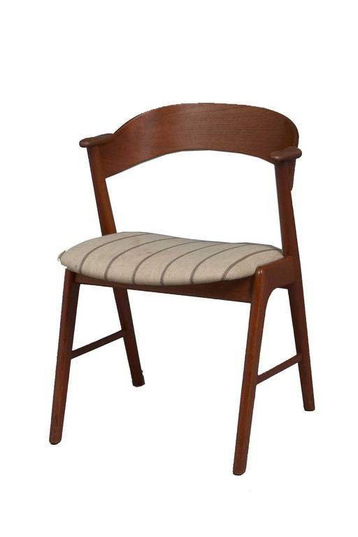 Set of 6 Model 32 Teak Dining Chairs by Kai Kristiansen
