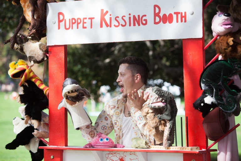 Puppet Kissing Booth