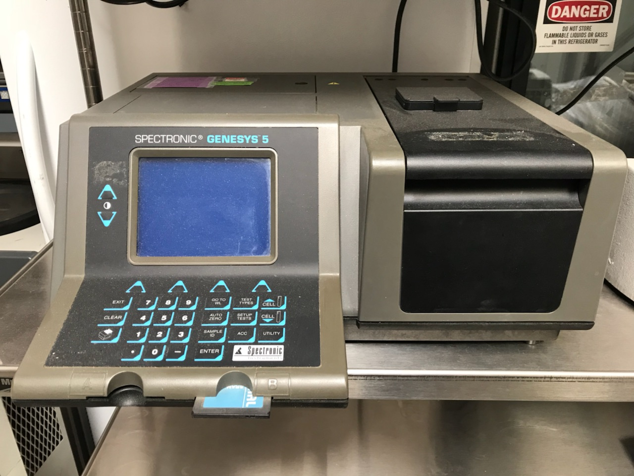 Spectronic Genesys 5 Spectrophotometer Visible/Absorbance Reader