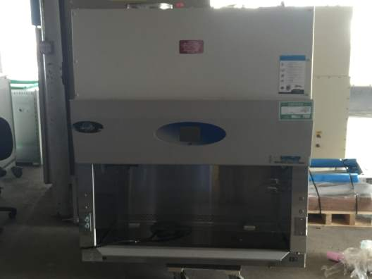 Nuaire NU-430-400 Biosafety Cabinet